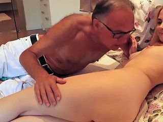 18 Yo Girl Kissing And Fucks Her Step Dad In Bedroom Txxx Com